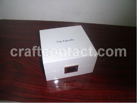 高档白色手表木盒 东莞深圳木制品厂家定做
