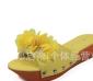 批发供应2012新款紫足情聚氨酯底花朵串珠时尚女托鞋